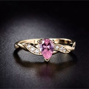 Sz 6-9: 18k pink sapphire tear drop ring